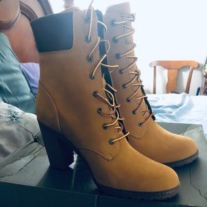 Timberland lace-up booties